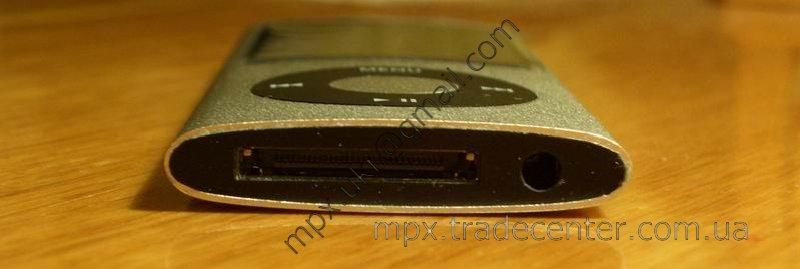 Копия ipod нано поколения 5, вид снизу.